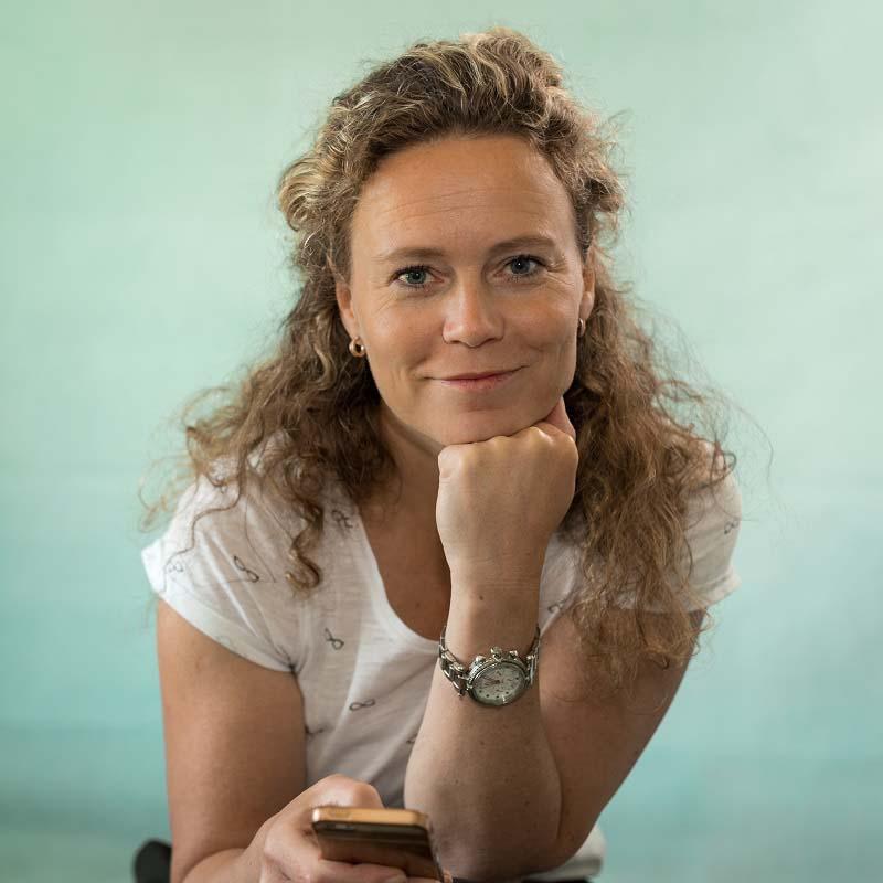Sandra Koppenhöfer contact